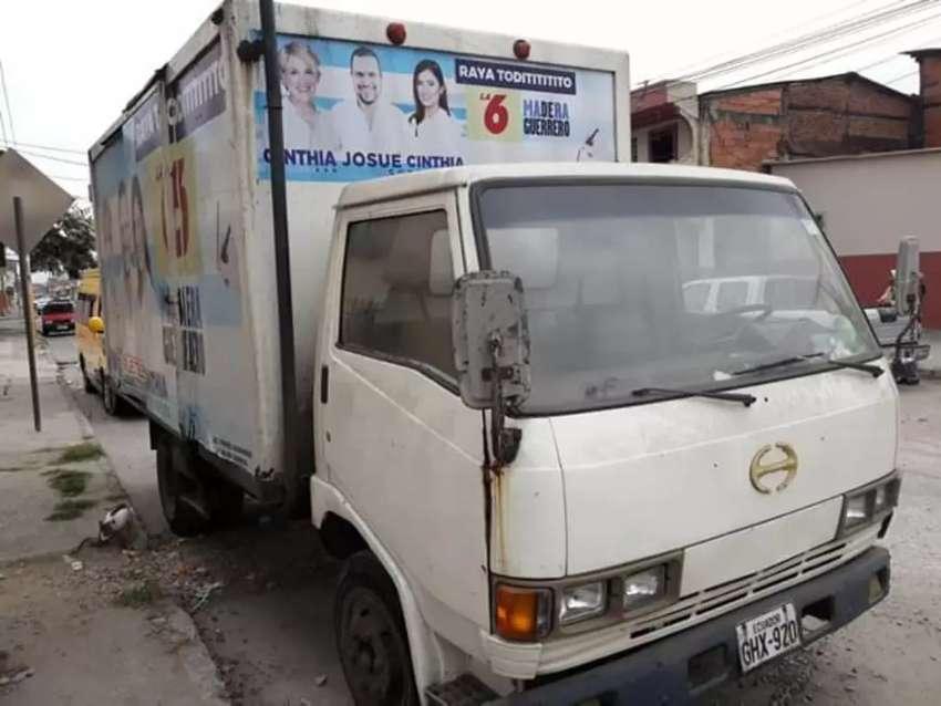 Camion HinoFB de oportunidad 0