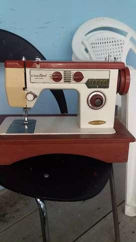 Vendo maquina de coser en perfecto estado la entregó ensayada
