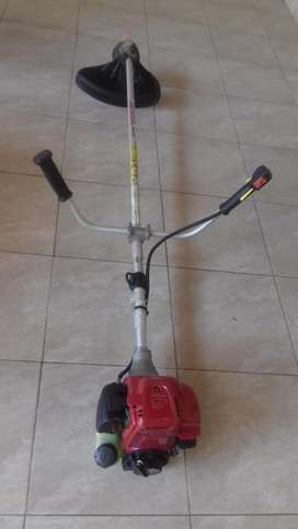 Motoguadaña honda umk -435