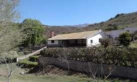 Las Juntas, casa de campo en alquiler en un pueblo de montaña con un microclima especial