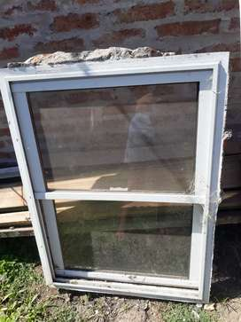 Vendo ventana de aluminio en buen estado