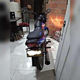 Se vende moto boxer ct100