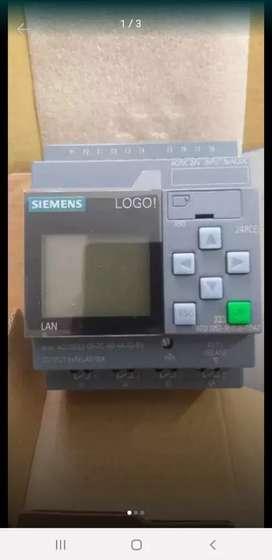 P.L.C. Logo Siemens 24 v.d.c. 8 in, 4 out nueva generación