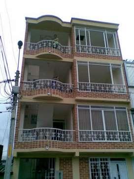 Se Vende Casa de 4 Pisos, Samaria 2
