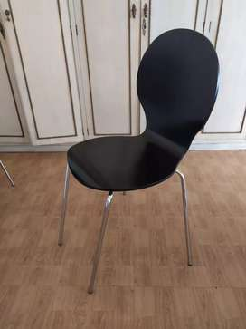 Juego de 4 sillas negras modernas escandinavas