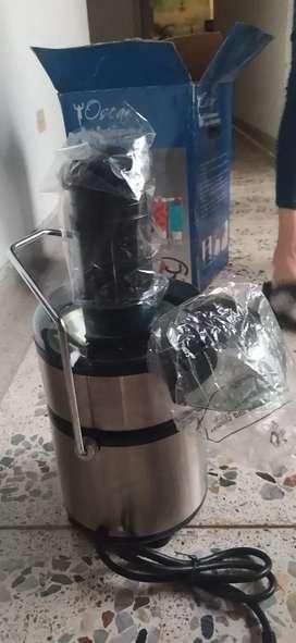 Extractor de jugos nuevo sin usar