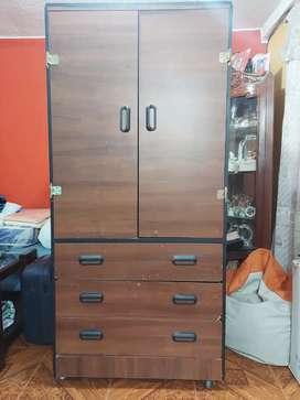 """""""Vendo armario de madera"""""""