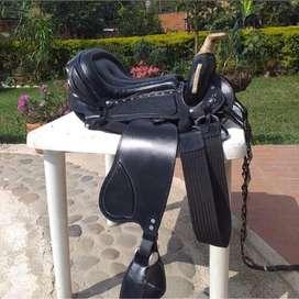 Vendo silla de montar a caballo