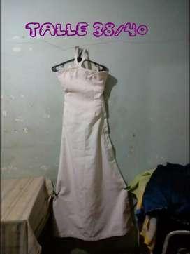 Vendo o permuto vestidos de novia,entre otros por celular