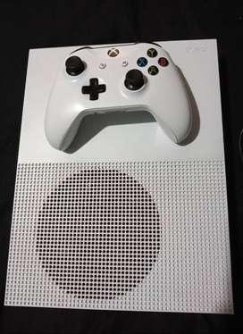 Xbox One S exclusiva en Color Blanco + CONTROL + CABLE HDMI + CABLE DE ALIMENTACIÓN