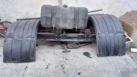 PLATO Y Cuna, Guardabarros y Tanque de Combustible de 300 lts.