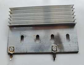 Disipador de aluminio 7,5 cm x 5 cm
