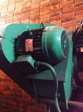 Troqueladora de sesenta toneladas Inglesa (Bliss)