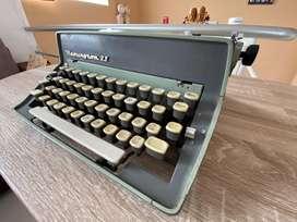 VENDO Maquina de Escribir Remington 11
