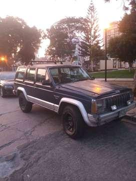 Camioneta Jeep Cherokee 4x4