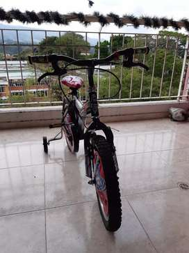 Bicicleta de niño de cars
