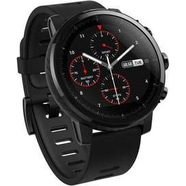 Reloj inteligente AmazFit Stratos, negro.