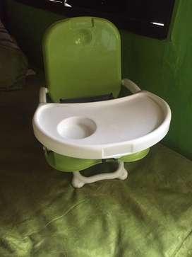 Vendo coche priori y silla de comer bebe priori excelente estado