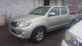 Vendo Toyota Hilux 2013 precio 21800