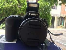 Camara canon powershot sx530  Memoria SD de 32 GB Con wifi pues se puede conectar a otros dispositivos