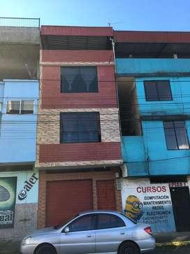 Hermosa casa en venta de tres pisos ubicado en la ciudad de Tena