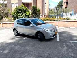 Renault Sandero 2011 en excelente estado.