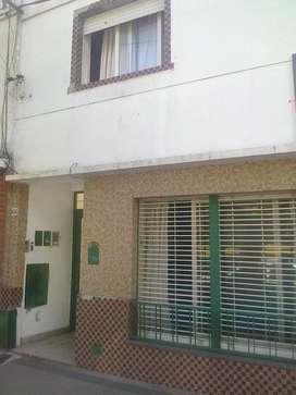 Casa en Venta - 6 entre 65 y 66