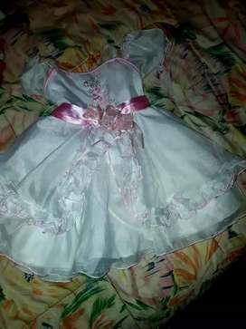 Se vende ropa de bebé bien varata de segunda 0 a 2 años