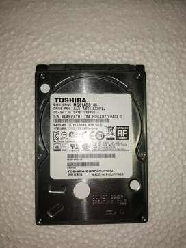 se vende tarjeta logica de disco duro portatil sata  1TB marca toshiba
