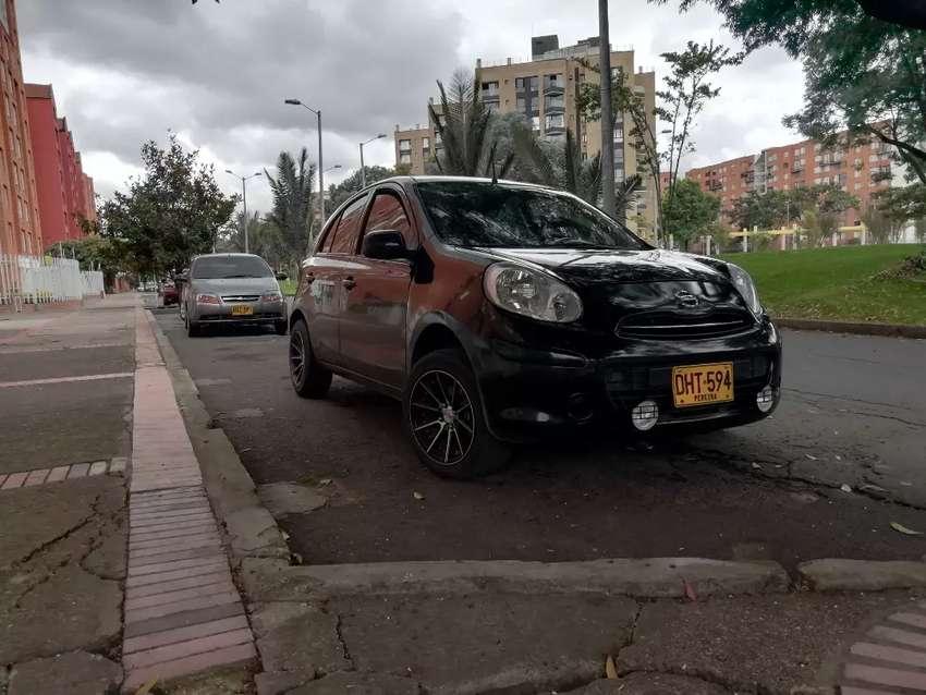 Nissan march exelente estado 0
