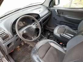Excelente Peugeot Partner furgón vidriado con asientos