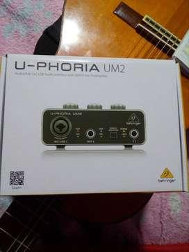 Vendo Interface Beringher UM2. NUEVA