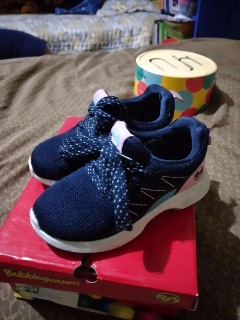 Vendo zapatillas niña talla 24 poco uso Bubblegummers 0