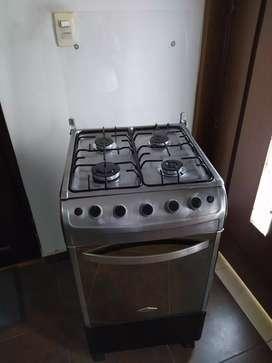 Estufa con horno y gratinador $290.000 precio fijo