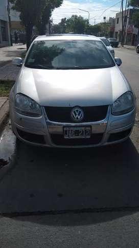 Vendo Volkswagen Vento 2.5 270.000 acepto permutas
