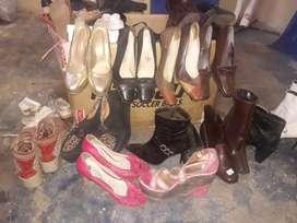 Vendo calzado..y ropa de mujer