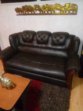 Sala dos sillas y mesita