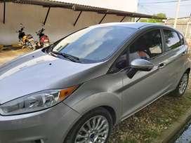 Se vende Ford fiesta titanium modelo 2016