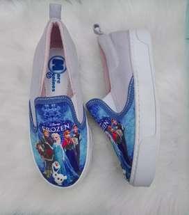 Zapatos estampados para niñas
