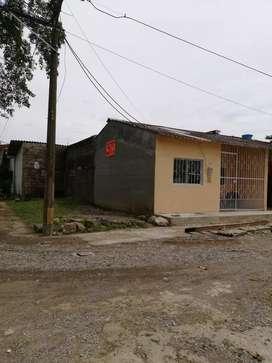 VENDO CASA Y LOTE CAREPA 108 mt2