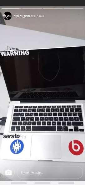 .vendo un macBook i5corre