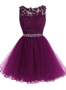 Se busca costurera  con experiencia de corte y confeccion de vestidos
