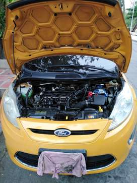 Vendo Ford fiesta ses modelo 2011 en perfecto estado documentación al día