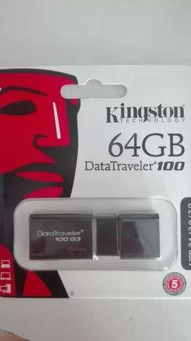 Flash memory pendrive 64 Gbytes  kingston