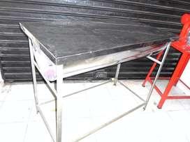 Mesa artesa en acero inoxidable