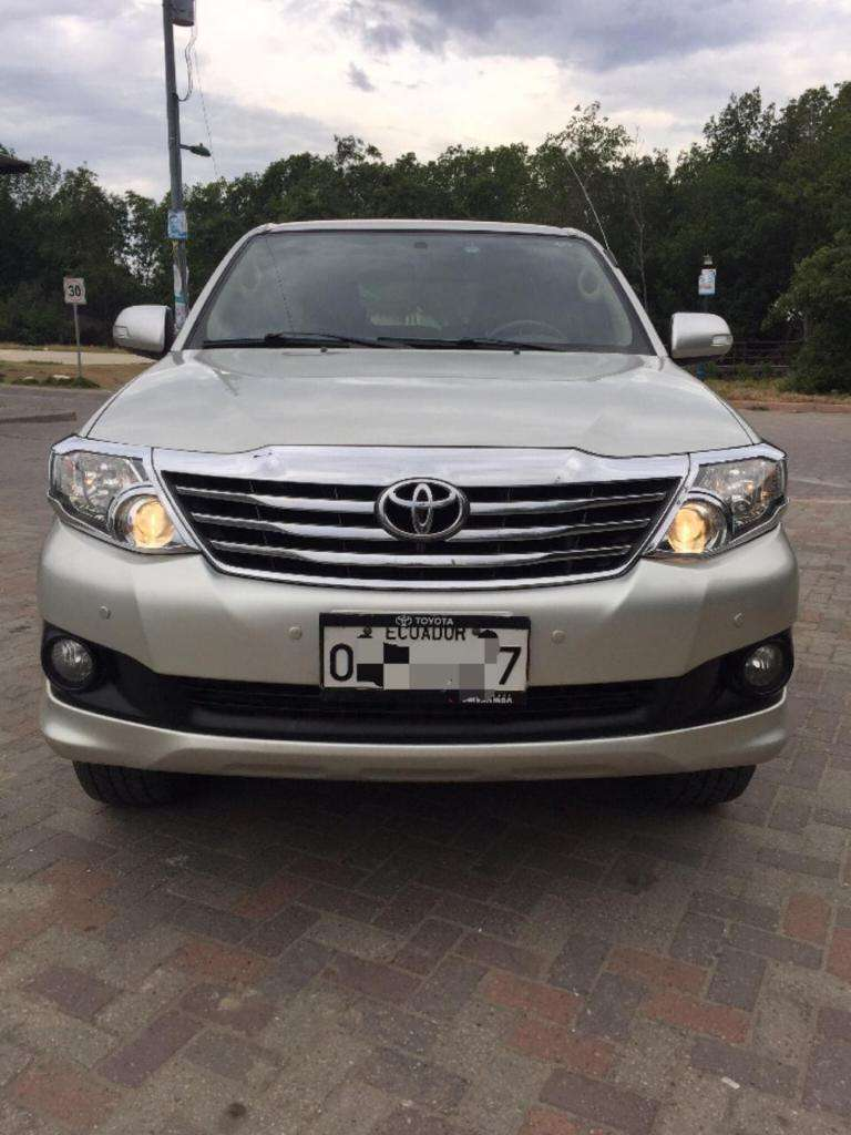 Flamante Toyota Fortuner 0