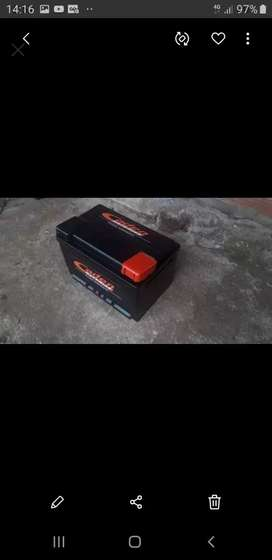 Liquido bateria de 80 amper impecable garantisada tomo la vieja en parte de pago llevo adomcilio