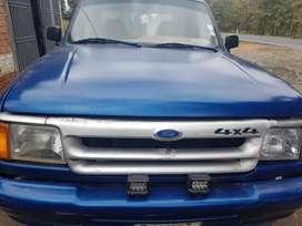 Ford ranger 4x2 gasolina6v 3000 cabina y media