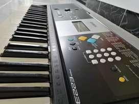Teclado piano organeta yamaha psr e223 psre223 excelente estado psre e 223