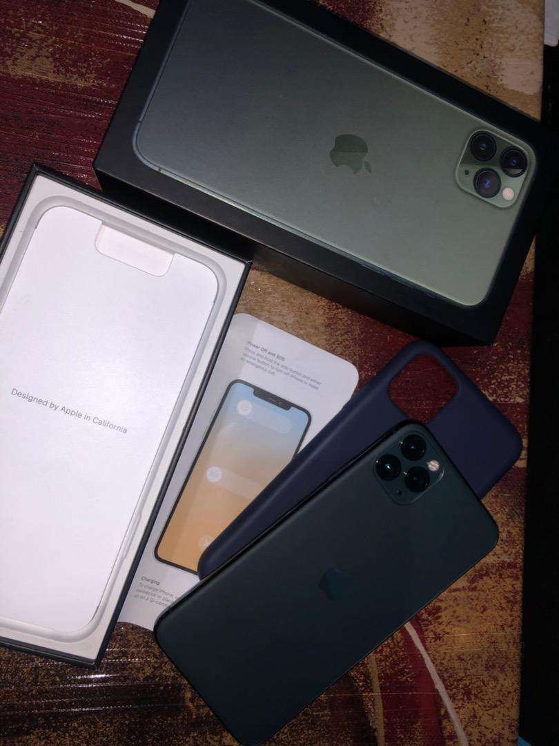 Iphone 11 pro max negociable 0